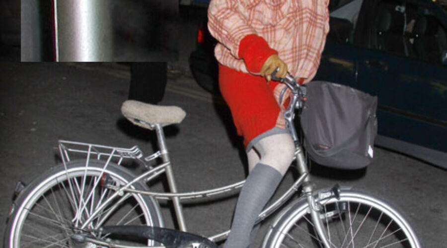 Dame on a Pashley…